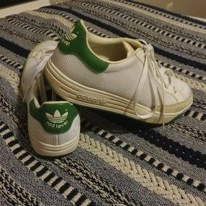 Vintage Rod Laver Adidas sneakers
